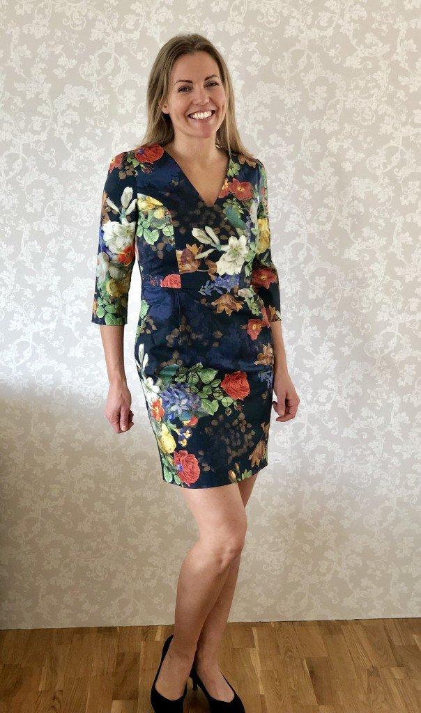 Kort blommig Pernilla Wahlgren, Storlek: S Pris: 400 kr