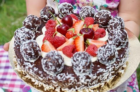 chokladbollstårta recept älska att baka