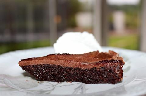 Kladdkaka-med-mjölkchokladtopping1-1024x720