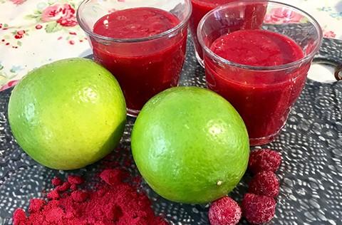 frukostshot-recept-tranbär-hallon