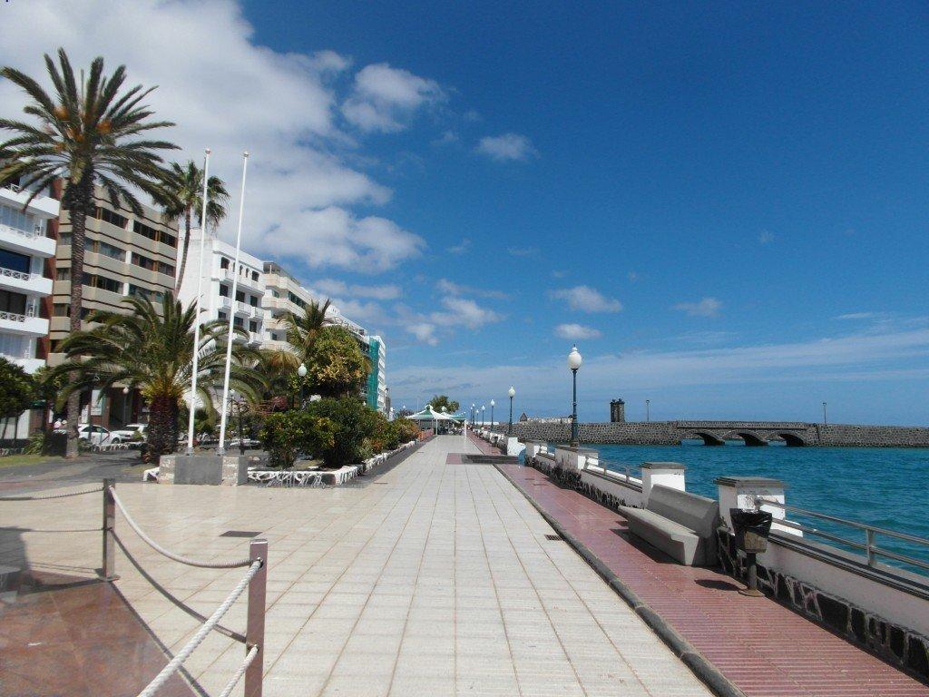 Strandpromenaden i Arrecife.
