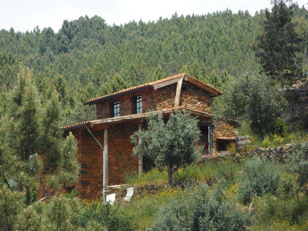 Huvudbyggnaden där även ägarna bor.