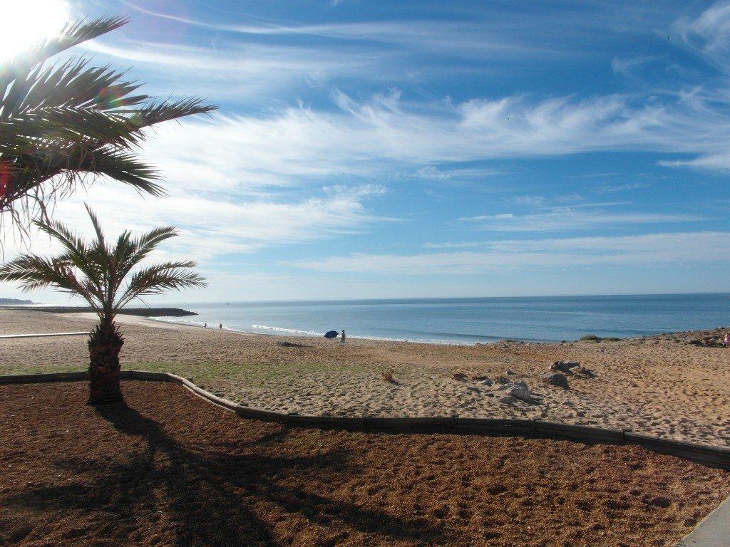 Ännu en oändlig strand.