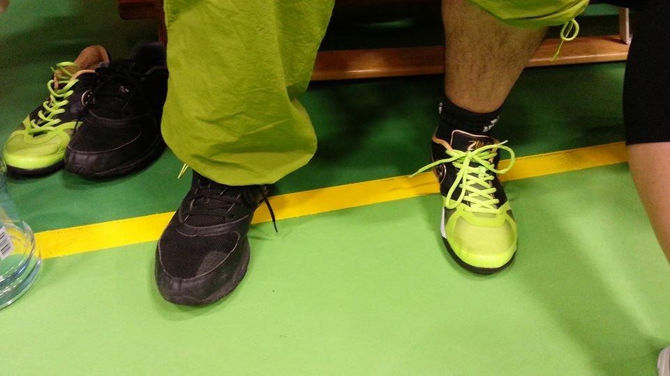 Pedagogiska skor för att skilja på höger och vänster!