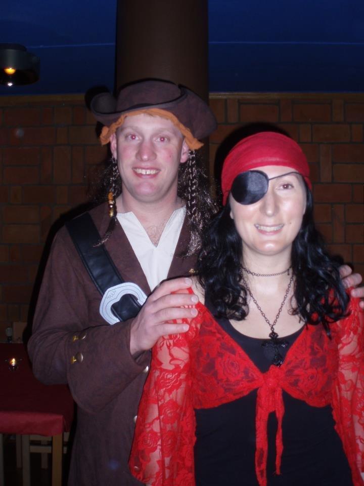 Oigenkännliga pirater på maskerad!