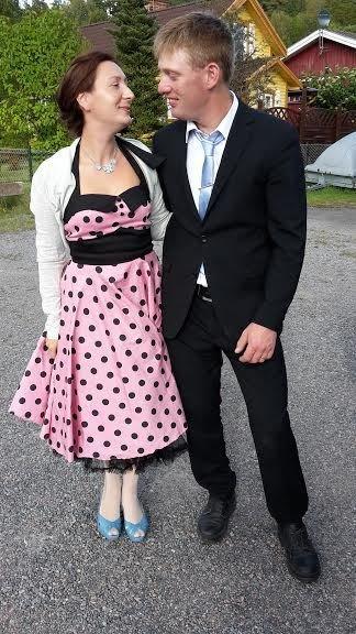 Herrskapet Karlsson skaffade barnvakt och gick på bröllop!