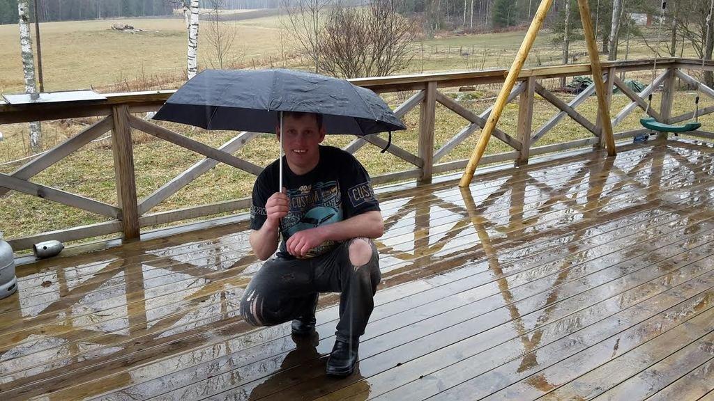 När det regnar är det trevligt att kolla på film ihop! :-)