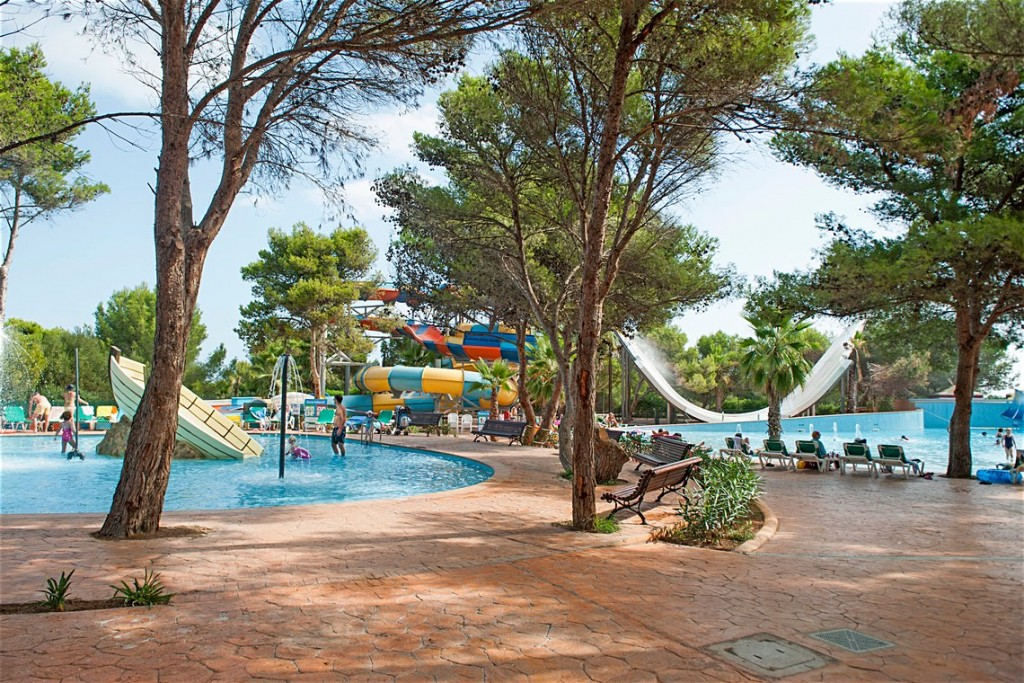 gallery_spain-menorca-arenal-d-en-castell-marina-parc__0233619