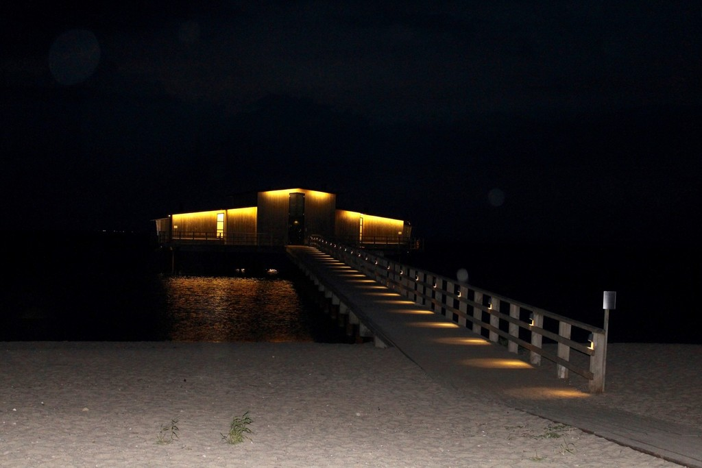 kallbadhuset_bastad_hotell_skansen_nattlig_vy