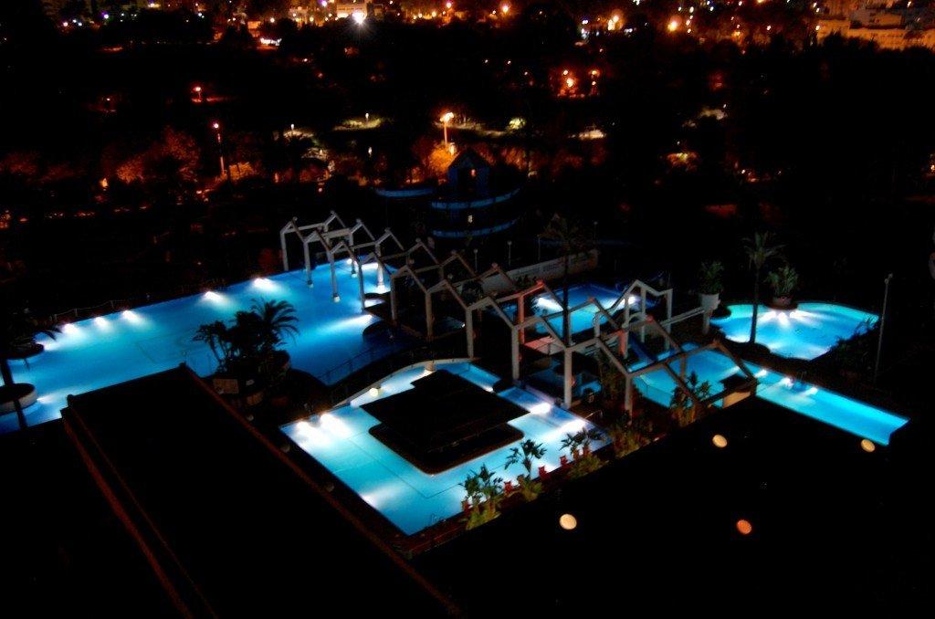 benal_beach_pool_by_night_benalmadena_torremolinos