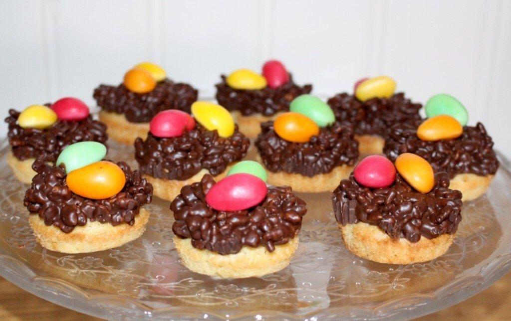paskbakelser_rice_crisp_paskagg_paskgodis_muffins_cupcakes_tartfat pa_fot_ikea