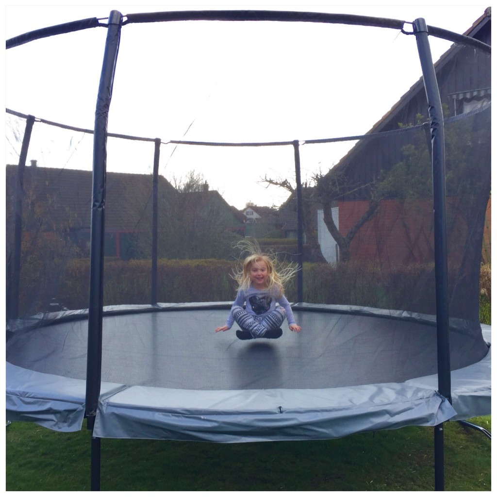 studsmatta_trampolin_bast_i_test_exit