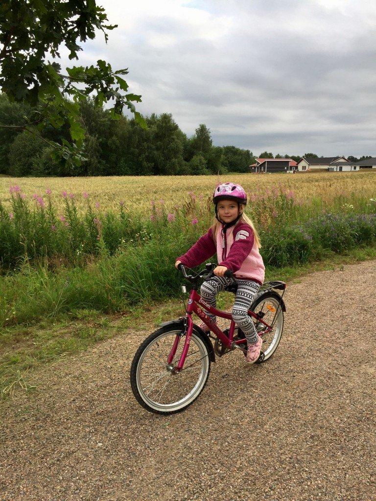 Cykla_med_molly_flickcykel_lager157