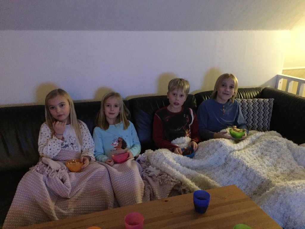 sleepover_sova_borta_pyjamasparty