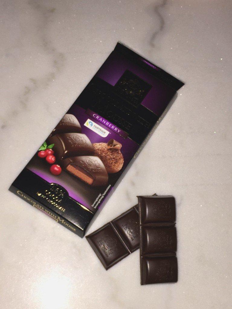 mork_choklad_mousse_tranbar_cranberries
