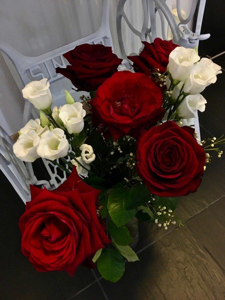 ros_rod_roda_rosor_blomsterspraket_karlek_alla_hjartans_dag_frulilja