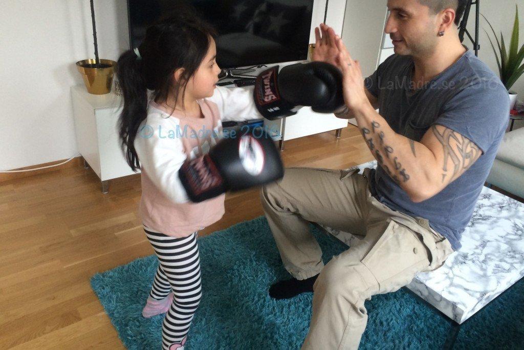 familjeliv träning boxning barn kids