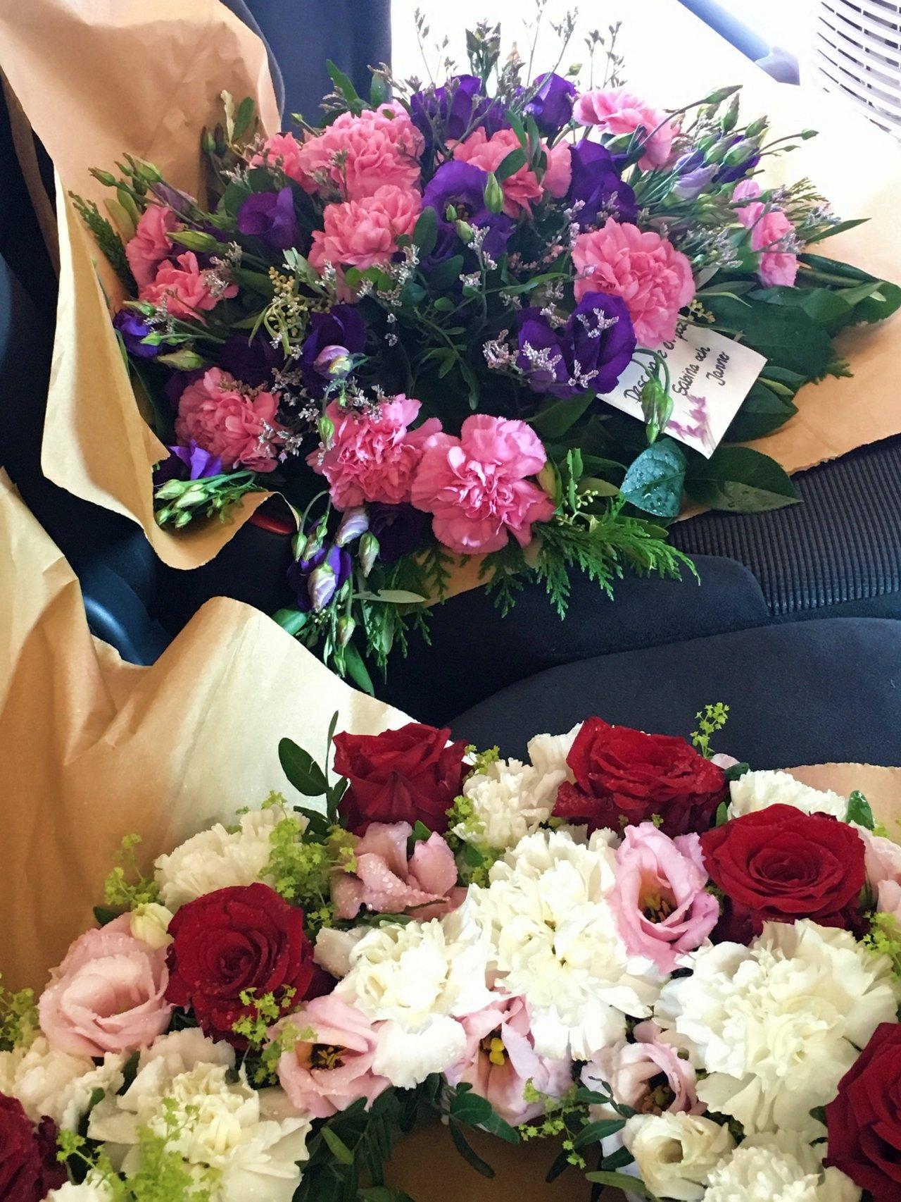 blommor_begravning_svarmor