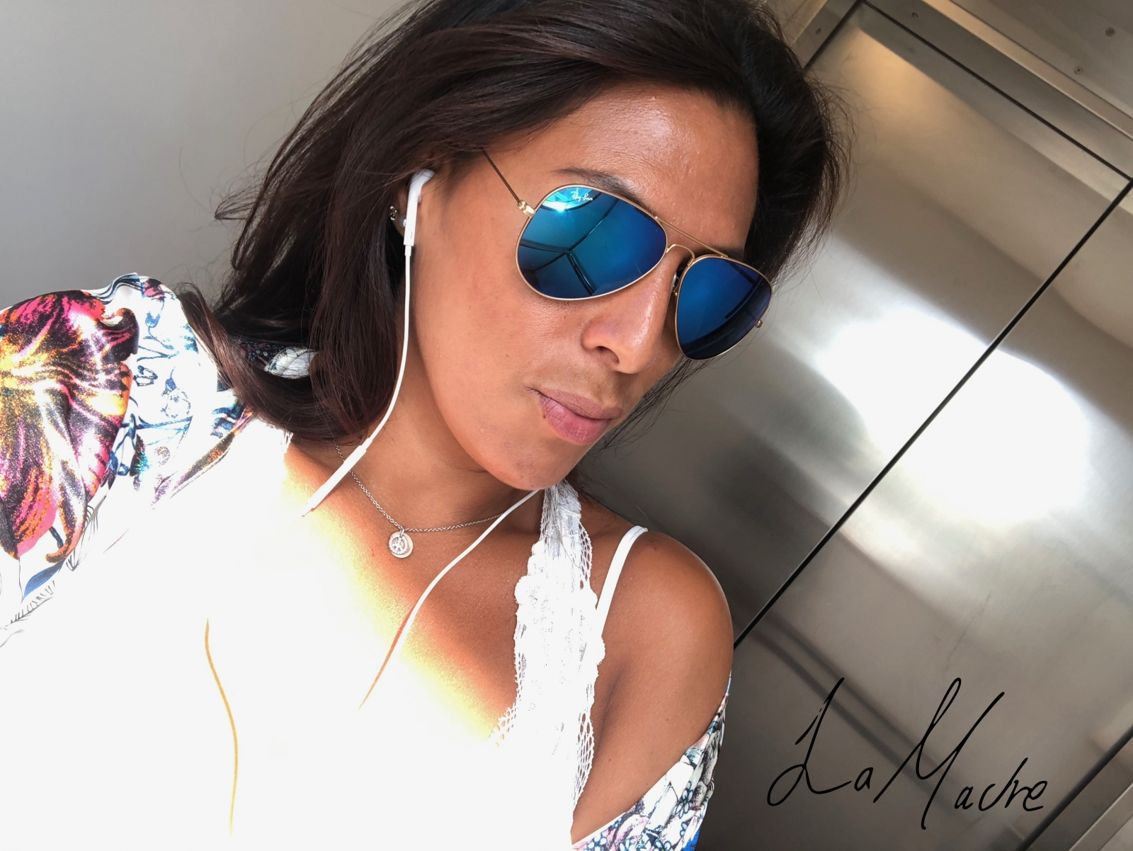 latina-cool-beauty