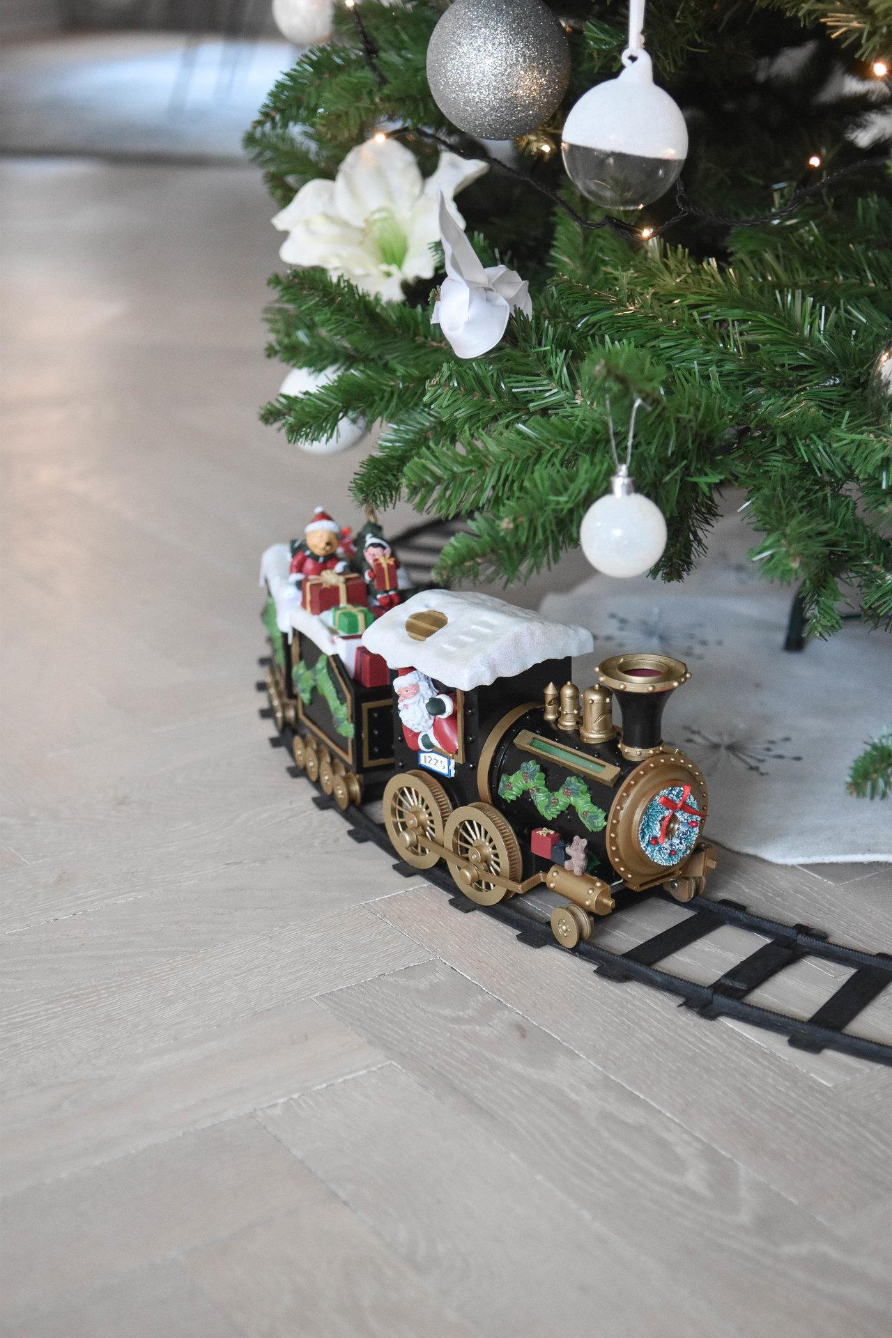 tåg till julgranen