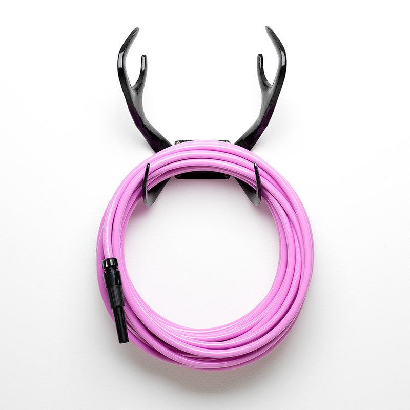 Black-reindeer-pink-hose-black-nozzle