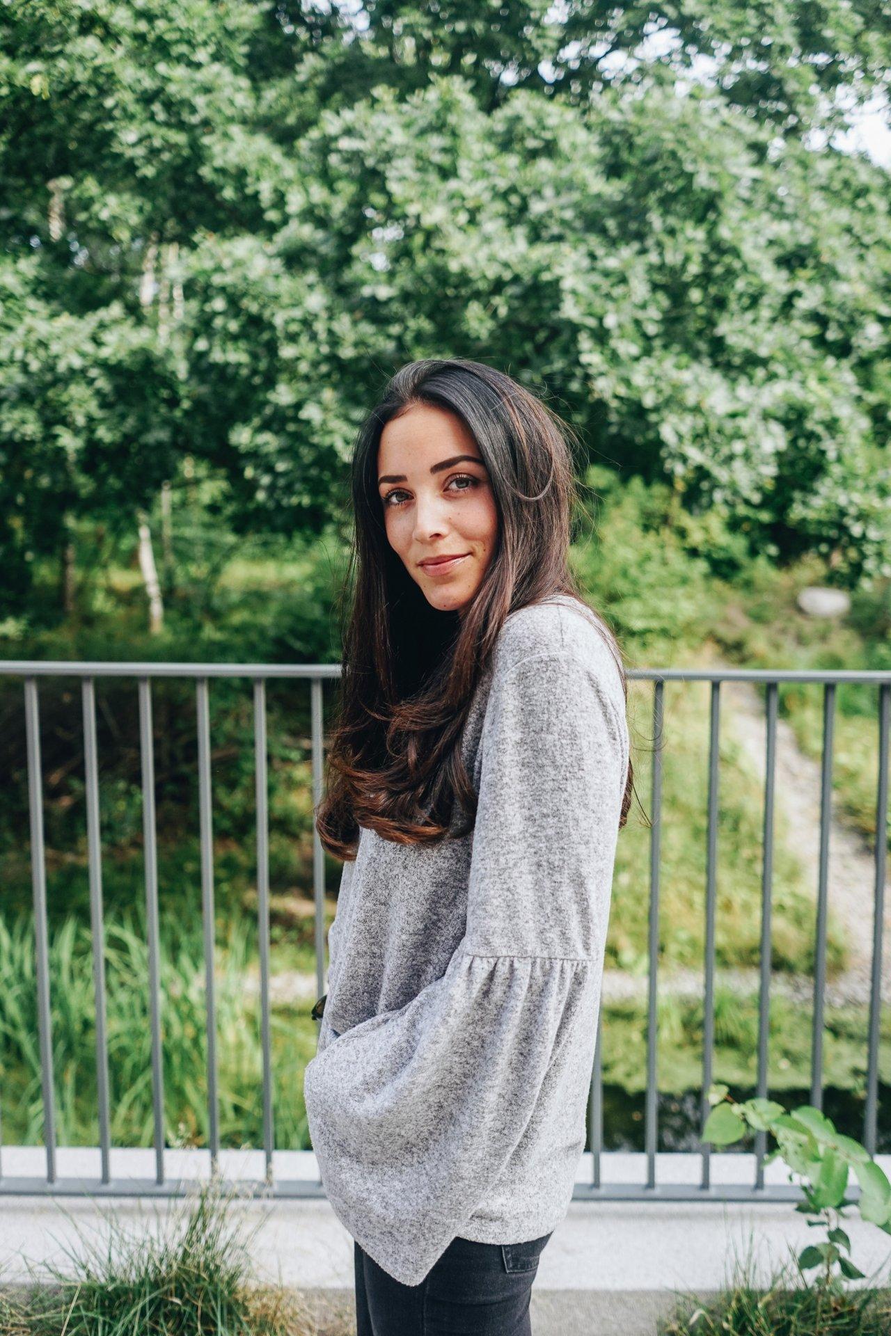 Michaela DeléR GREY SWEATHER (5 av 11)