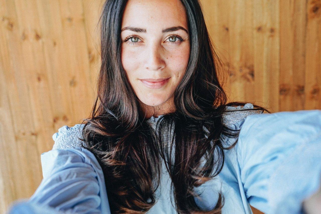Michaela Delér BLUE DRESS (3 av 3)