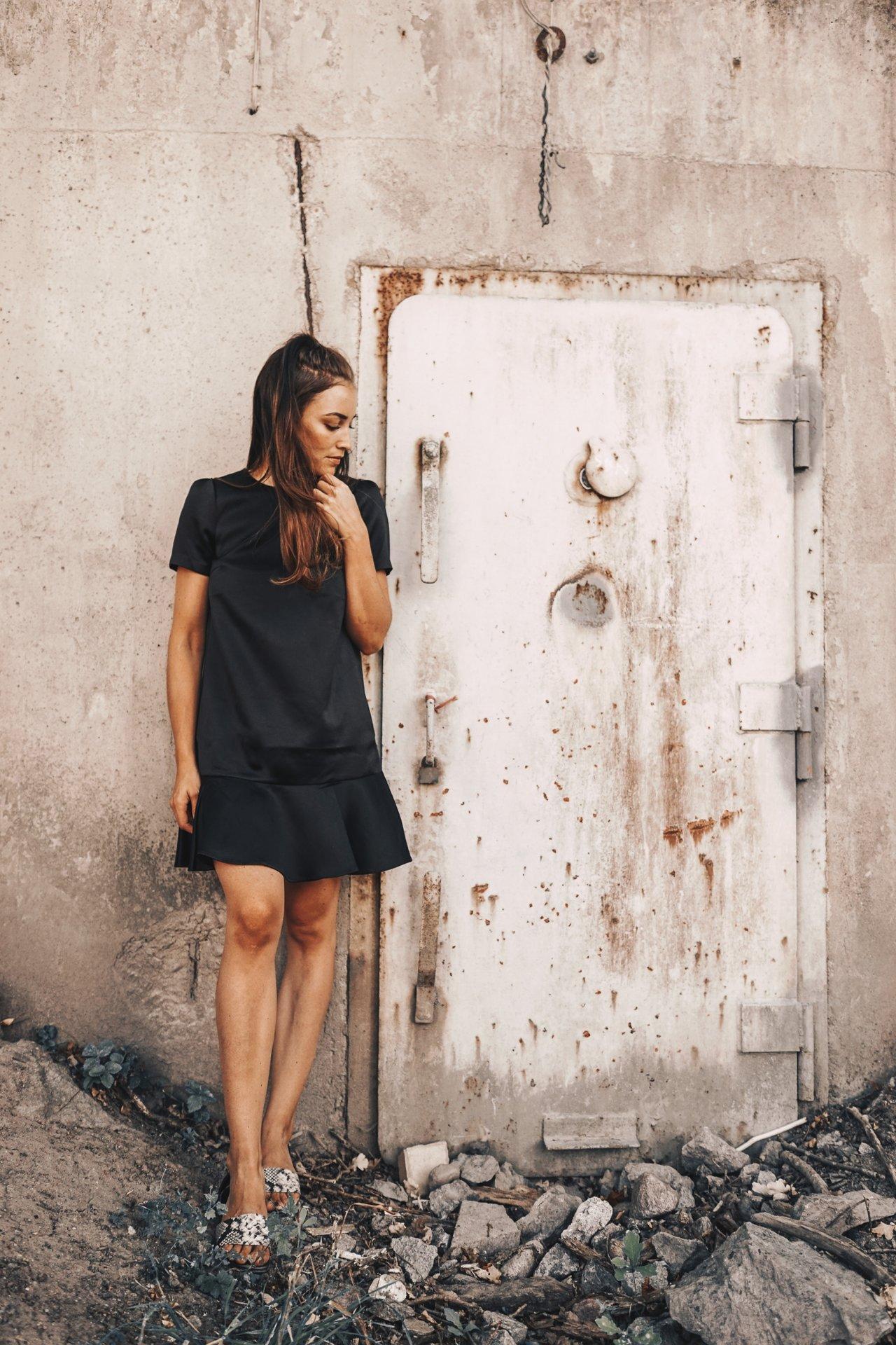 BLACK DRESS OUTFIT (3 av 10)