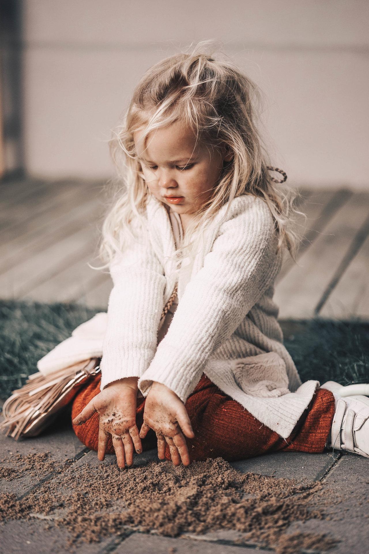 LIVIA PLAYING