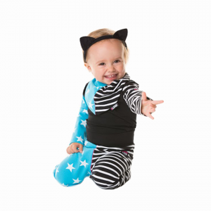 Lekfulla barnkläder