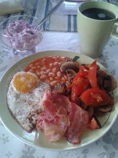 vita bönor i tomatsås frukost