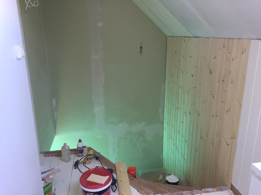 renovering av vägg