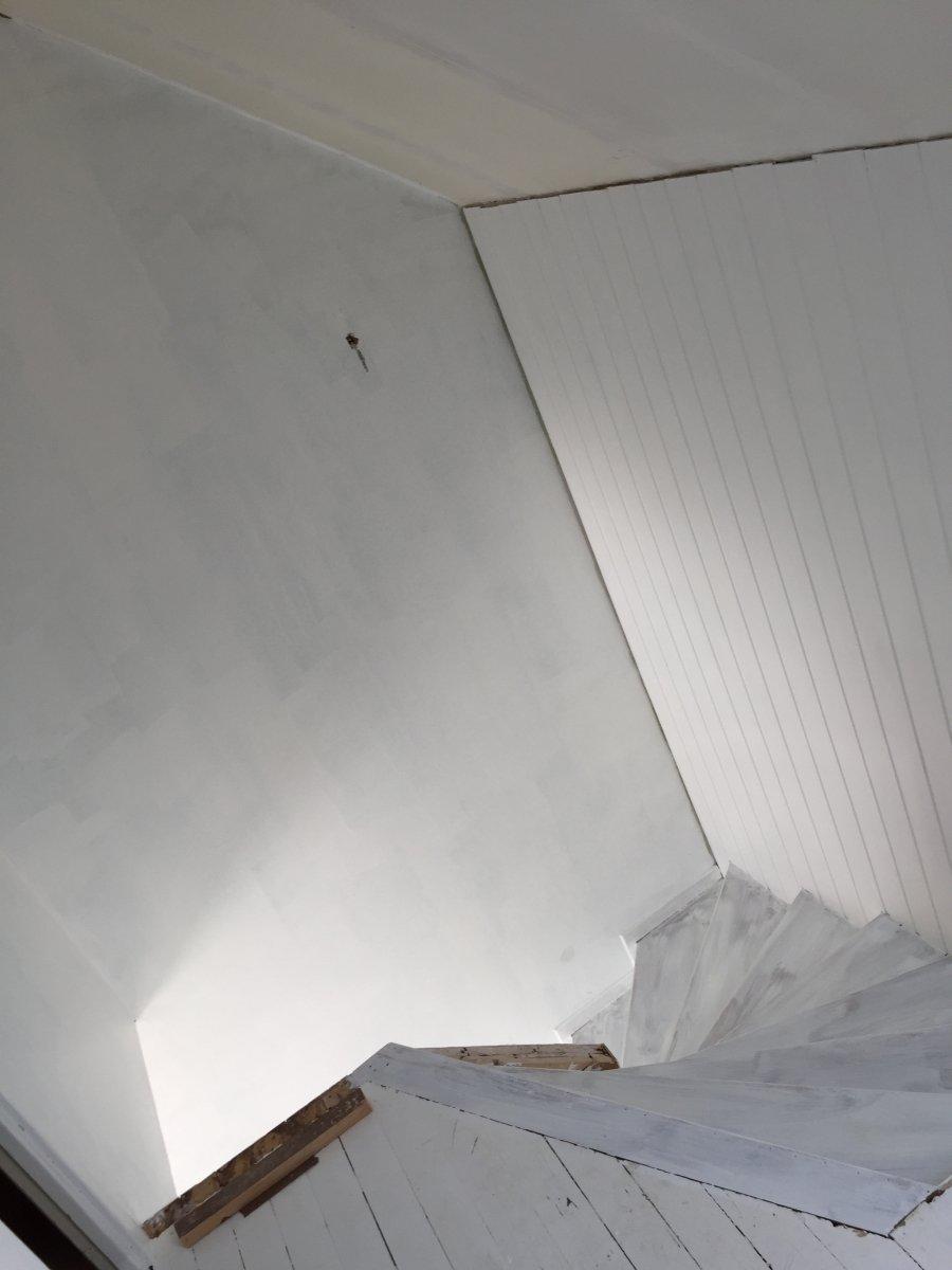 Måla trappa vit