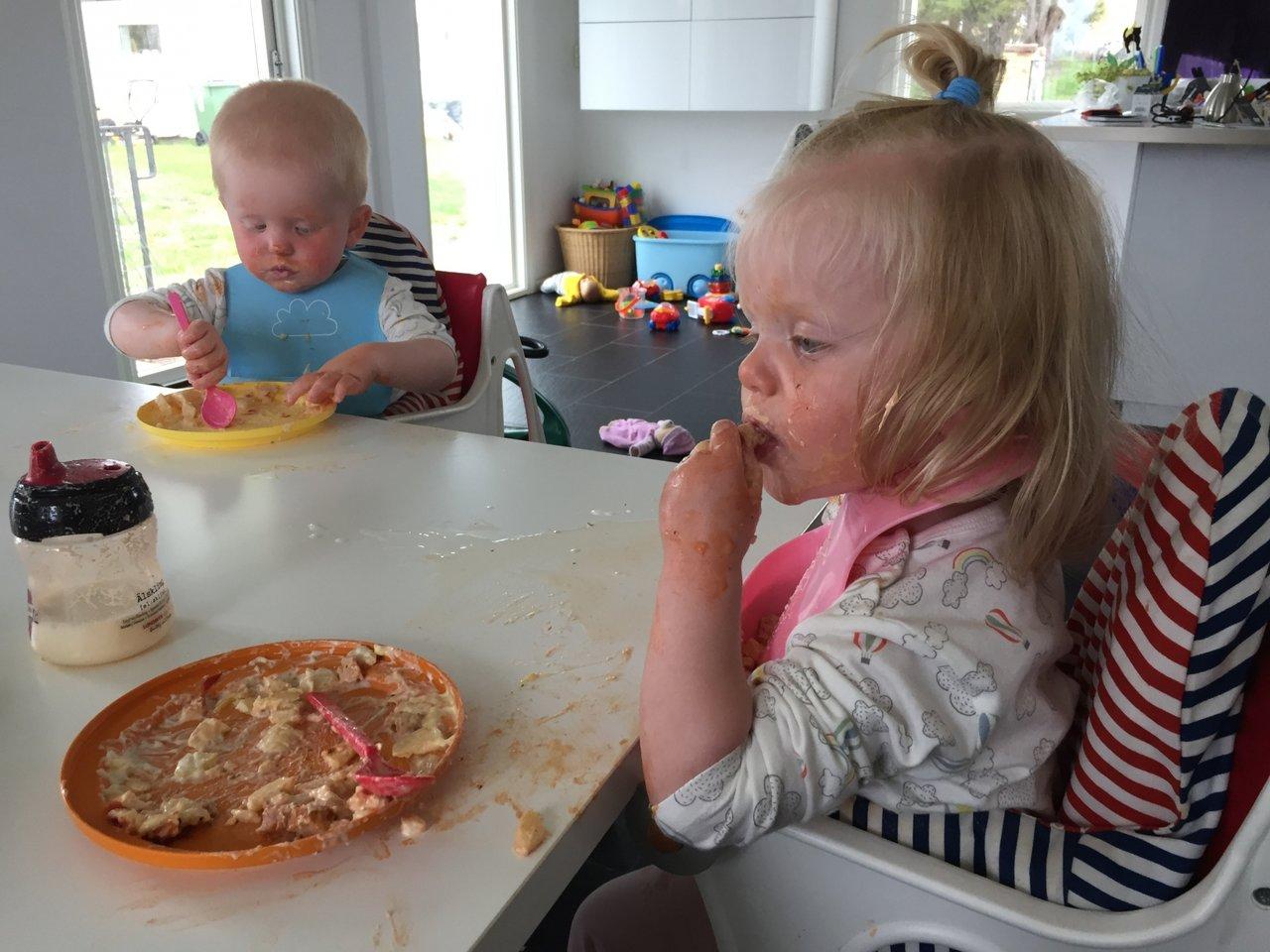 lära barn äta själv