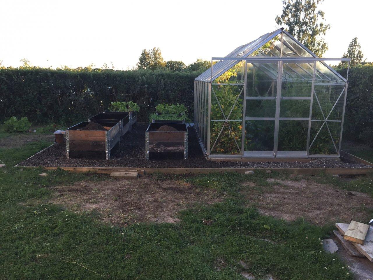 fixa snygg trädgård