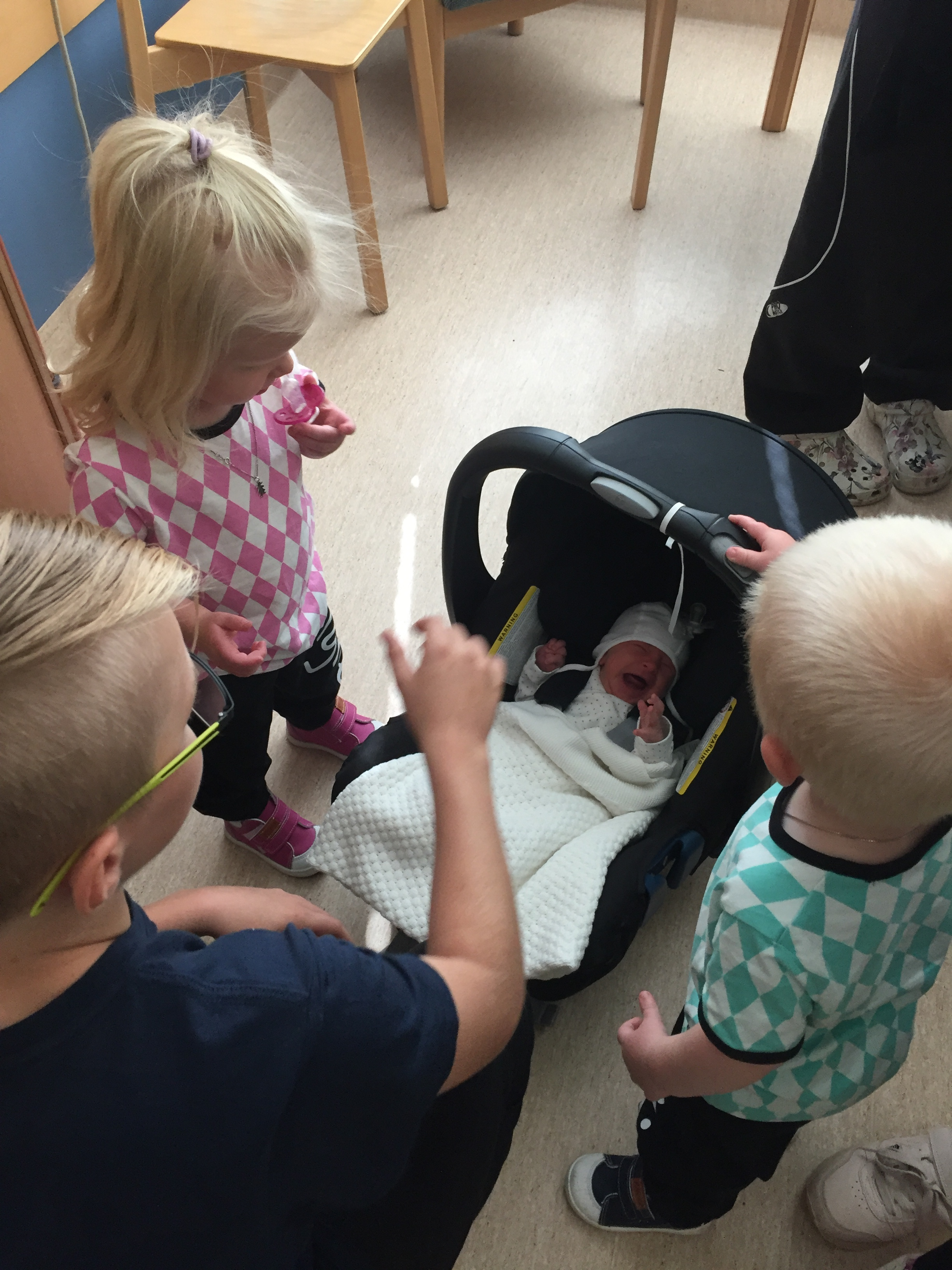 bebis i familjen