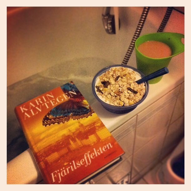 frukost i basängen