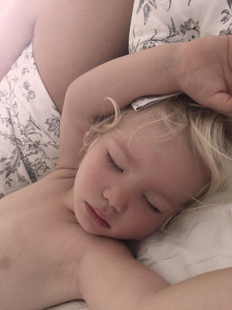 För att allt känns bättre av en bild på en sovande B.