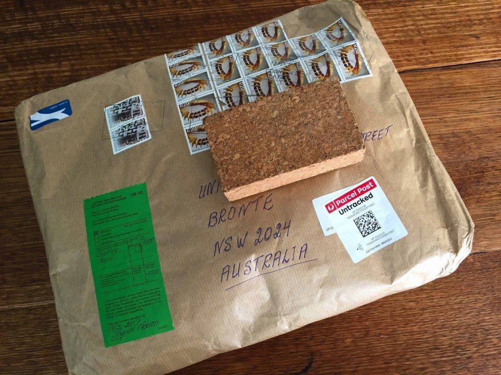 Det kom ett paket från Sydafrika.