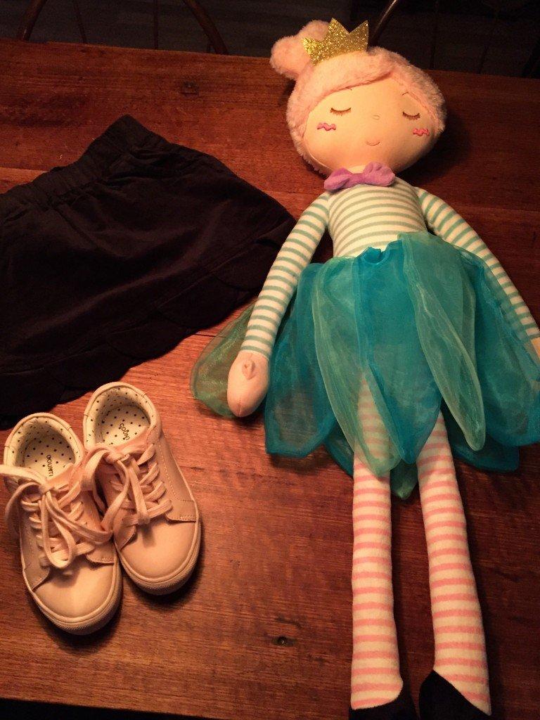 Dagens inköp. Fast dockan är sedan i lördags. B älskade henne från första stund.