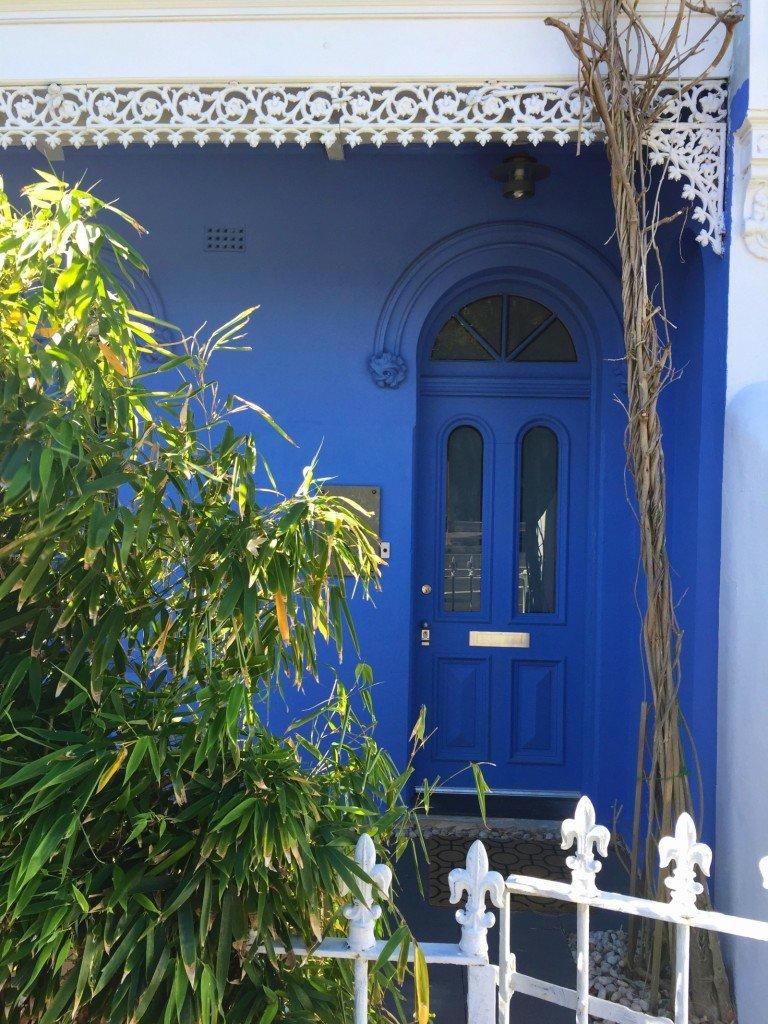 Älska alla färger och olika stilar på husen.