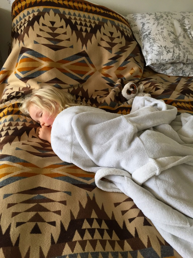 """Mamma, I want to vila lite. I'm a little bit sjuk."""