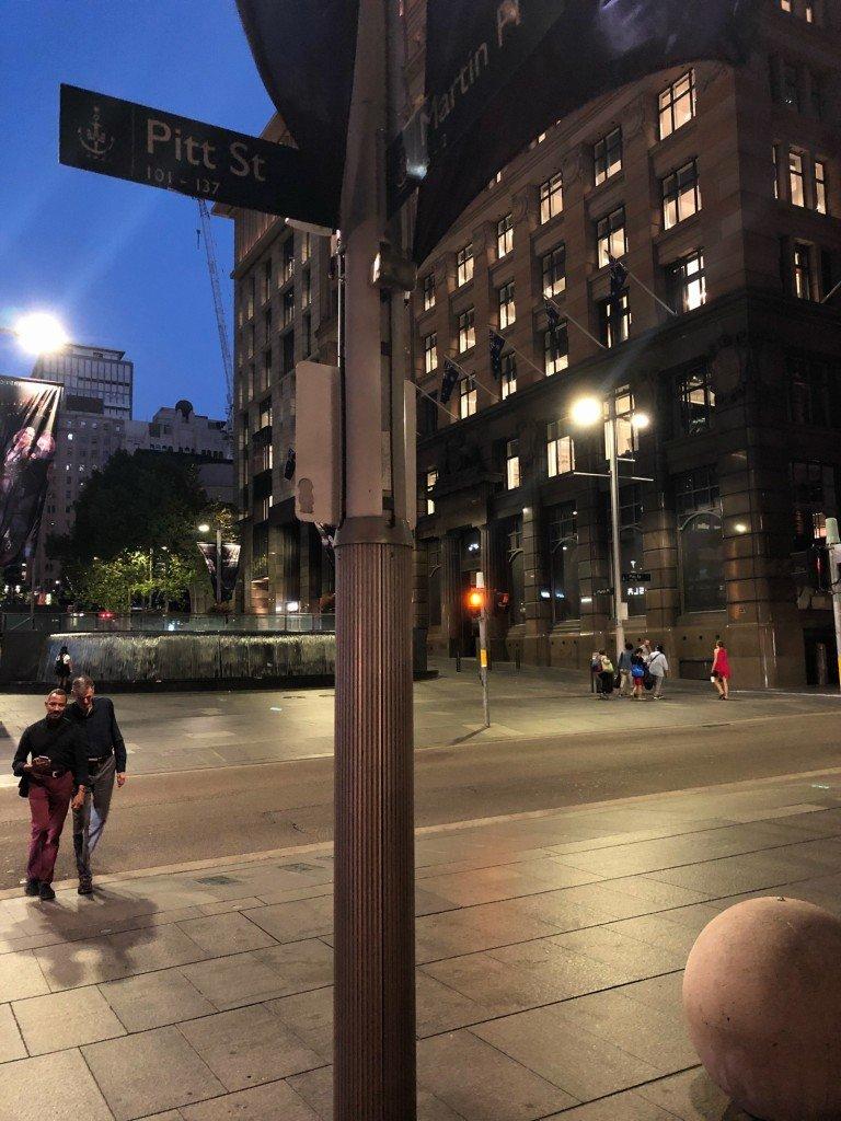 Pitt Street med sina bollar.