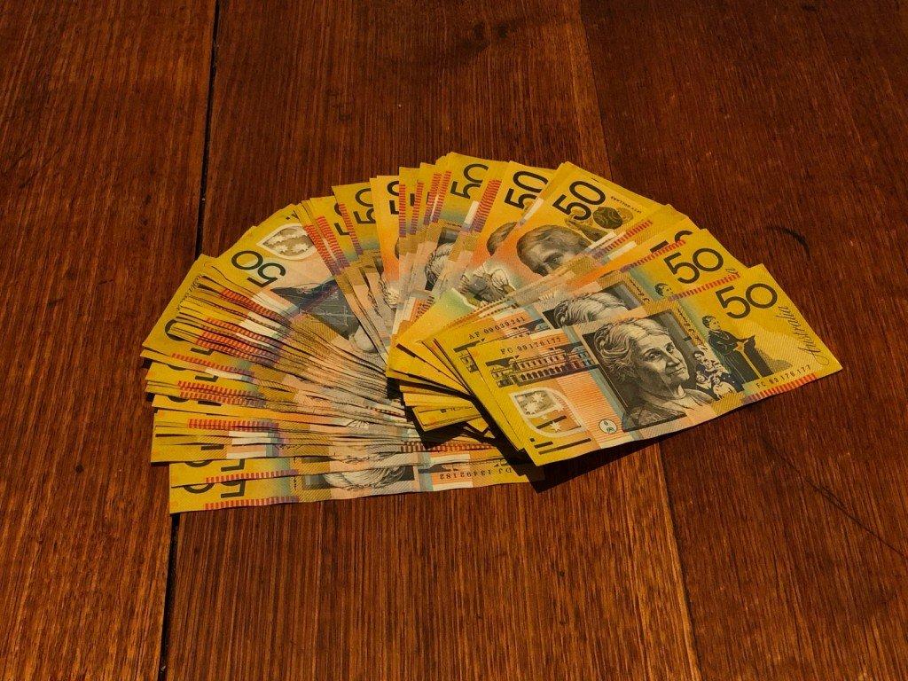 Så här ser $5,000 ut. Bye bye, I will miss you.