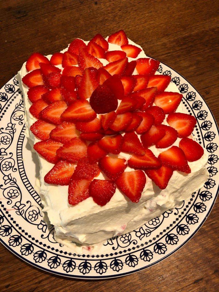Rufs på morgonen, tårta på eftermiddagen.