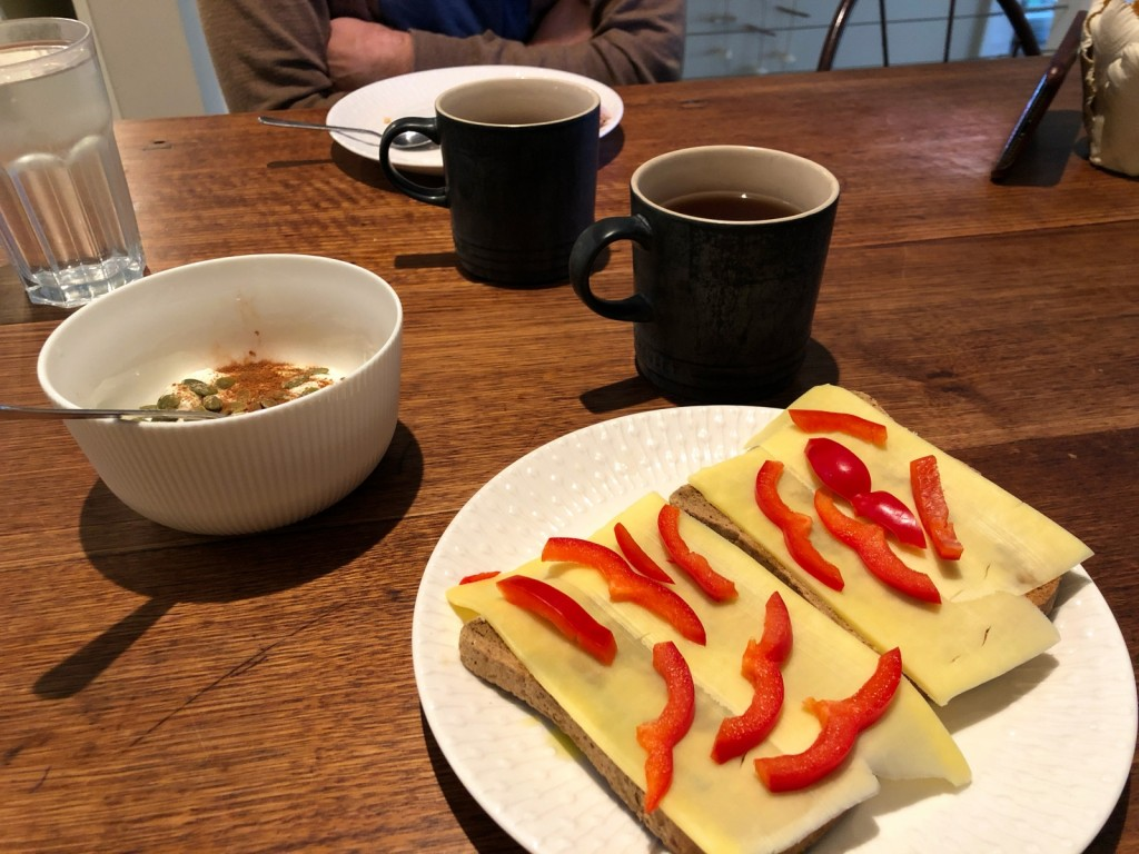 Och så frukostdagboken.