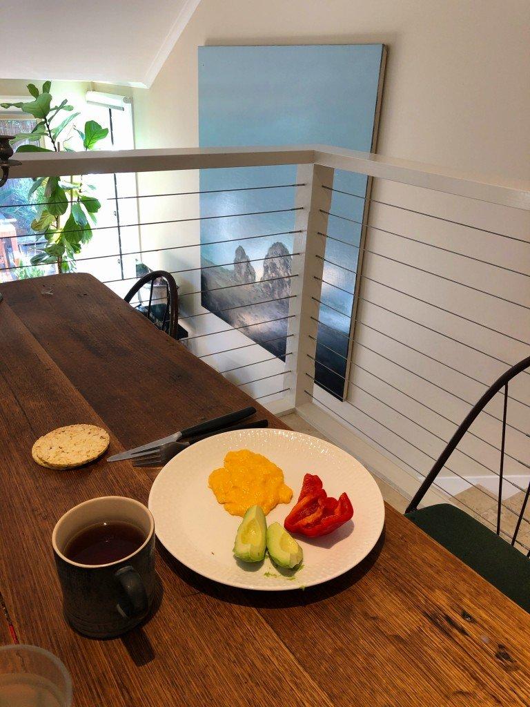 En halvospännande frukost. Ännu en dag i livet.