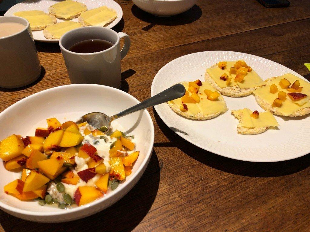 Frukost med nektariner overload.