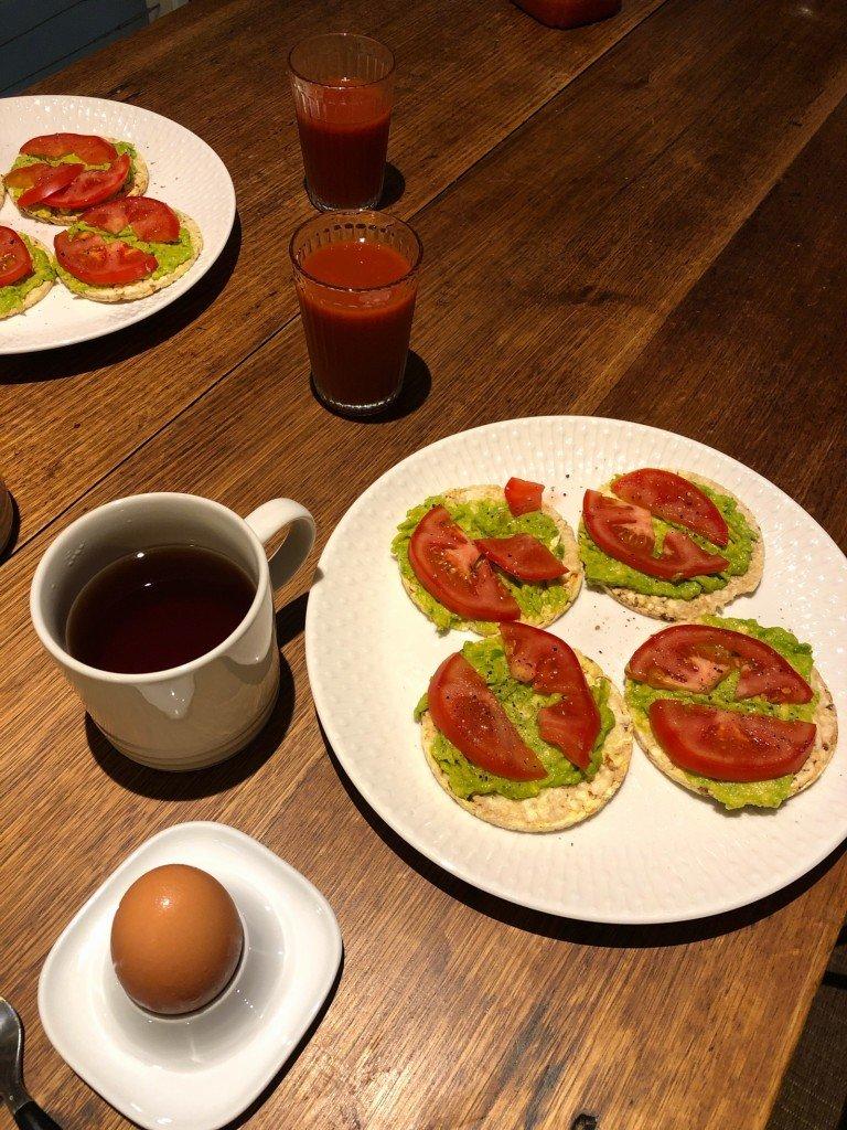 Jag levde en hel dag men allt jag fick till var ett kort på min frukost.