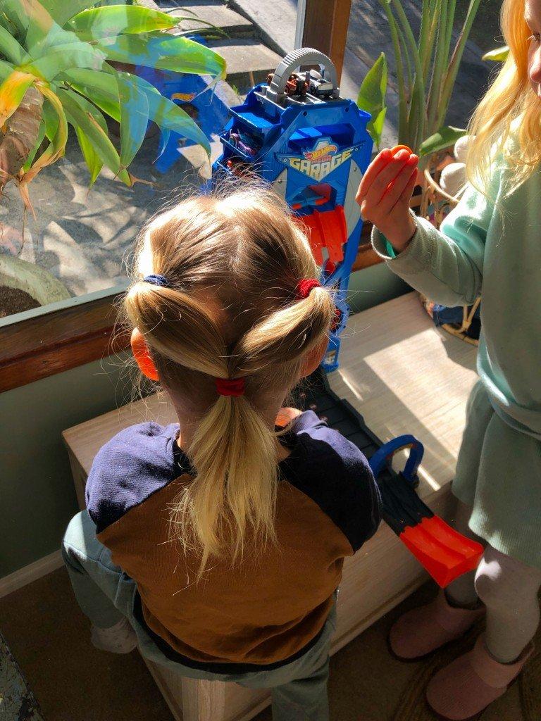 I hade Crazy Hair Day idag på förskolan. Sådär crazy blev det.